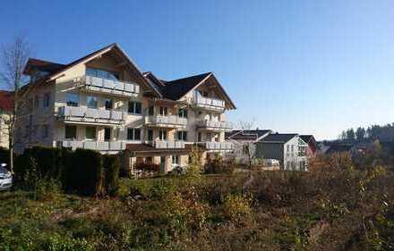 Privatverkauf: neuwertige 3,5-Zi.-Whg. im modernen Passivhaus, mit Balkon und EBK in Calw