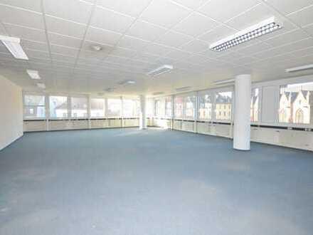 Flexibel teilbares Großraumbüro in bester Stadtlage!