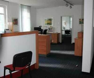Zentral gelegene helle Praxis- oder Büroräume