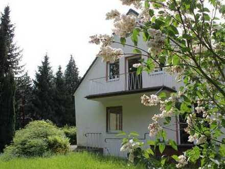 Sofort verfügbar: Freistehendes, saniertes Einfamilienhaus mit großem Garten in Köln-Longerich