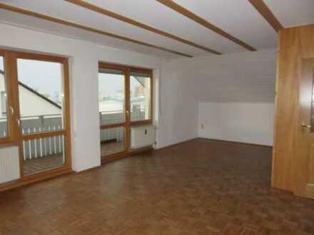 Helle 2-Zimmer-Dachgeschosswohnung mit Balkon in Friedberg