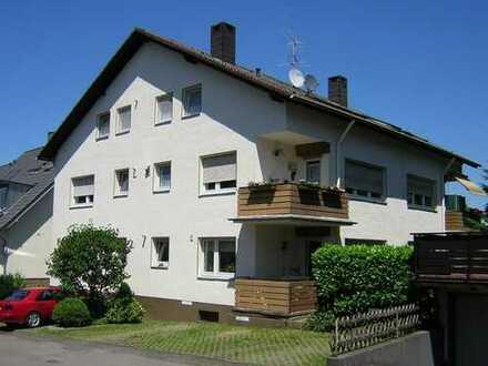 Großzügige 2 Zimmer Dachgeschoßwohnung in Lev. Lützenkirchen 