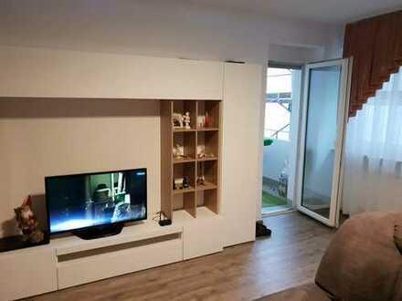 Exklusive, vollständig renovierte 5-Zimmer-Wohnung mit Balkon und Einbauküche in Augsburg