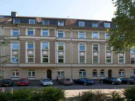 Schicke Single-/Pärchen-Wohnung über 2 Ebenen, ca. 55 qm, vollrenoviert, nette Nachbarn