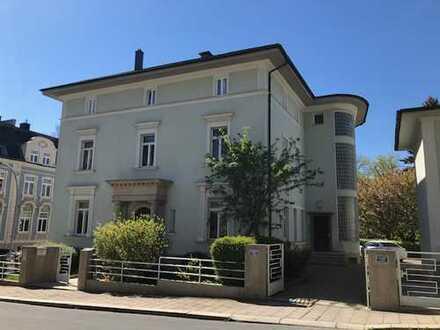 Großzügige und exklusive Wohnung in Hofer Stadtvilla
