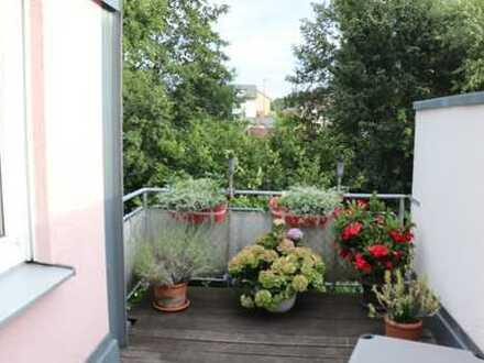 *Vermietete hübsche 3,5 Zimmer-Dachgeschoss-Wohnung mit Blick ins Grüne*