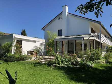 Modernisiertes Einfamilienhaus mit sechs Zimmern und Einbauküche in Tuttlingen, Tuttlingen (Kreis)