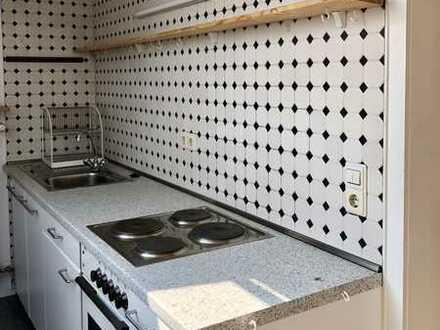 Helle DG-Wohnung in gepflegtem Mehrfamilienhaus