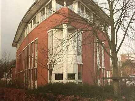Gepflegtes Büro/Praxisgebäude 110 bis 250 m2 mit Parkplätze