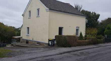 Kleine Doppelhaushälfte in ruhiger Nebenstraße in Dortmund-Sölde