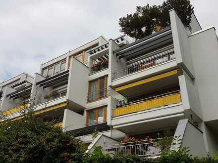 **Traumhafte Penthouse-Maisonette mit großzügigen 4 Zi. , 2 Bäder, 2 Terrassen in Möhringen!**