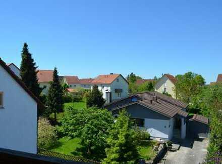**Solides Bauherrn-Zweifamilien-Generationenhaus** in absolut ruhiger Wohnlage im Münchner Westen