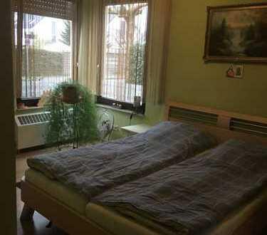 Nachmieter gesucht! Freundliche 2-Zimmer-EG mit Einbauküche und eigenem Garten in Monheim am Rhein