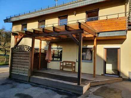 Schöne 6-Zimmer-Doppelhaushälfte mit EBK in Alfdorf, Alfdorf