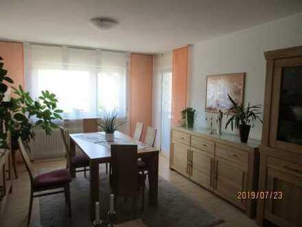 Schöne drei Zimmer Wohnung in Darmstadt-Dieburg (Kreis), Reinheim