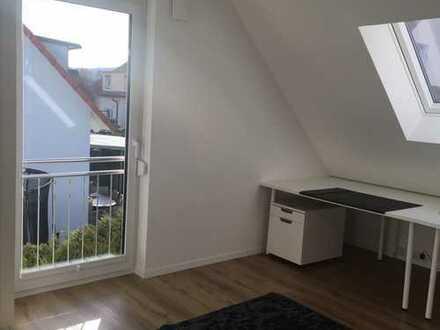Erstbezug: freundliche 3-Zimmer-DG-Wohnung mit EBK in Winnenden
