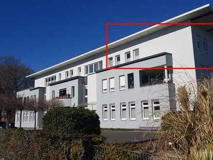 Attraktive 3-Zimmer-Penthouse-Wohnung mit 30m² Sonnenterrasse in Weinheim