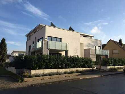 Sehr schöne moderne Penthouse-Wohnung mit Dachterrasse. Hochwertige Ausstattung - Zentral gelegen.