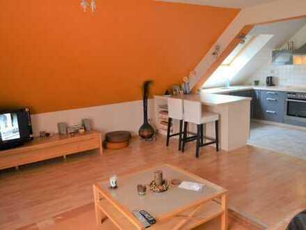 Top gepflegte Maisonette-Wohnung in 4 Parteien Haus- Ideal für Alleinstehende oder Paare