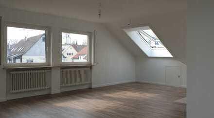 Helle, ruhige 3,5 Zimmer Wohnung, komplett neu saniert