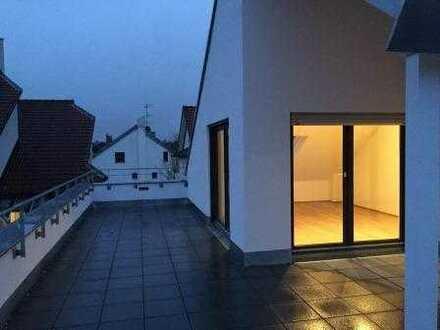 Hochwertige Penthouse Wohnung mit Panoramablick und großer Dachterrasse (BJ2015)