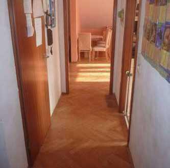 Großzügige Wohnung in kleiner Einheit im schönen Mannheim Seckenheim direkt am Spazierweg