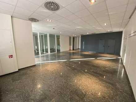 Teilbare Bürokomplexe in ausgezeichneter Lage in Kassel zu vermieten