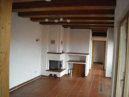 Vollständig renovierte 2-Zimmer-Wohnung mit Balkon in Harthausen