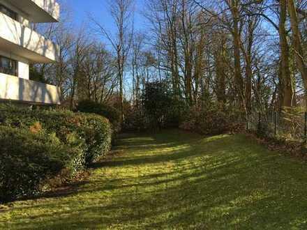 Gepflegte 2-Zimmer-Hochparterre-Wohnung mit großem Süd/ Süd-West Balkon und EBK in Bremen