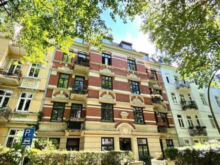 Vermietet: Sanierte 3-Zimmer-Altbauwohnung mit zwei Balkonen im Generalsviertel in Hoheluft-West