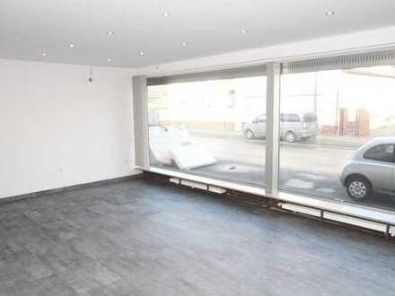 54qm Ladenfläche mit großer Fensterfront in Bestlage an Hauptverkehrsstraße zu vermieten!