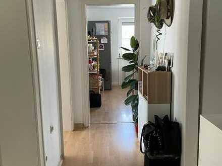 Schöne helle exklusive 2,5-Zimmer-Wohnung mit 2 Balkonen von Privat *Provisionsfrei*
