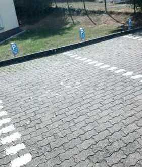 PKW-Stellplätze in Großen-Buseck zu vermieten