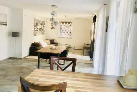 Stilvolle, möblierte, neuwertige 4-Zimmer-Wohnung mit Balkon und EBK in Illingen