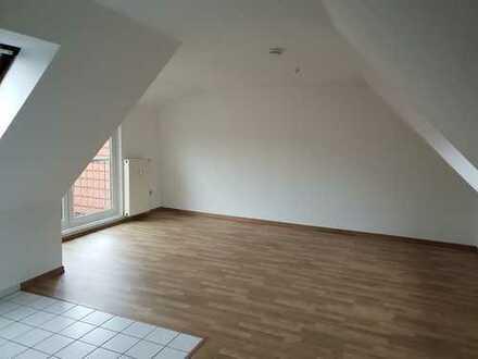 Singlewohnung im Dachgeschosswohnung zu vermieten