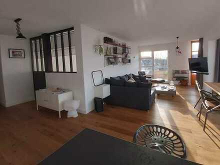 Loftflair - Stilvolle 2,5-Zimmer-Wohnung mit Balkon in zentraler Lage - PROVISIONSFREI