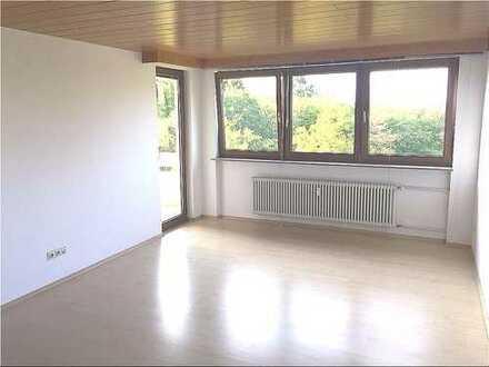 RT-Sonnige 2,5-Zi.-Wohnung im Grünen mit Aufzug und Aussicht auf Reutlingen!