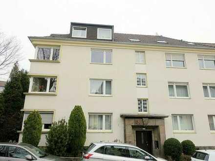 3- bis 4-Zimmer-Wohnung mit Balkon