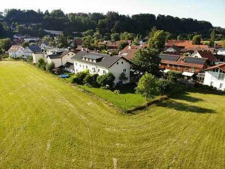 Gepflegte 2,5-Raum-Dachgeschosswohnung mit Einbauküche in Wolfratshausen