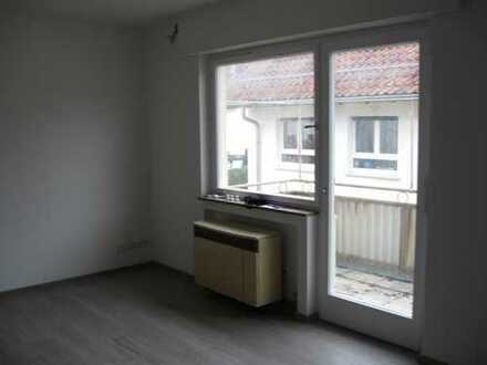 Stilvolle, vollständig renovierte 1-Zimmer-Wohnung mit Balkon und EBK in Denkendorf