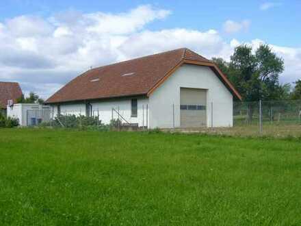 Ideal für Umgestaltung zum freistehenden Einfamilienwohnhaus