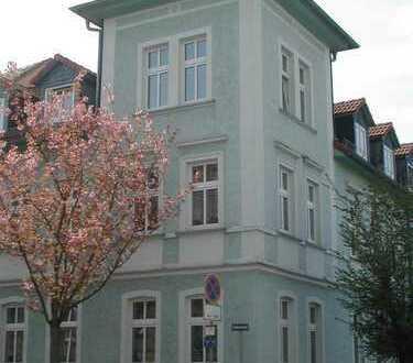 2,5 Zimmer-Whg. im ruhigen Mehrfamilienhaus mit EBK