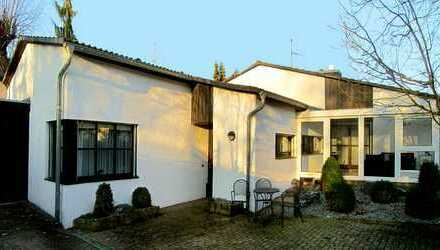 Einfamilienhaus (Walmdach-Bungalow)