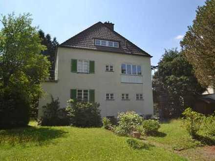 Zweifamilienhaus in Toplage von Harlaching! Verkauf mit Wohnrecht