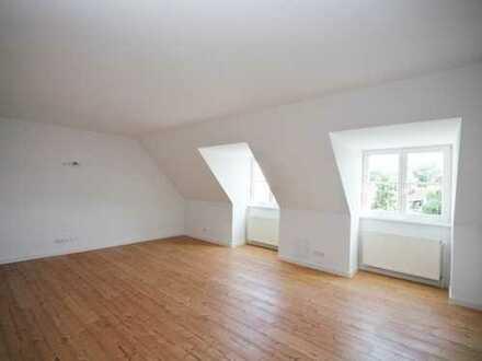 Neue 3-Raum-Wohnung im Dachgeschoss mit Südbalkon