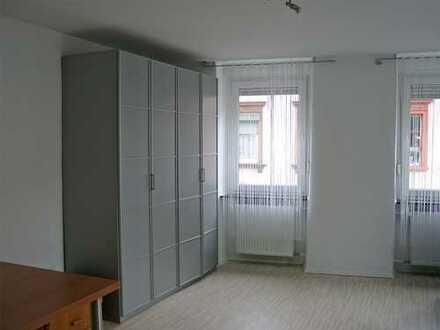 POCHERT IMMOBILIEN - Schöne große 1-Zimmer-Wohnung im sanierten Altbau / KL-Nähe Altstadt