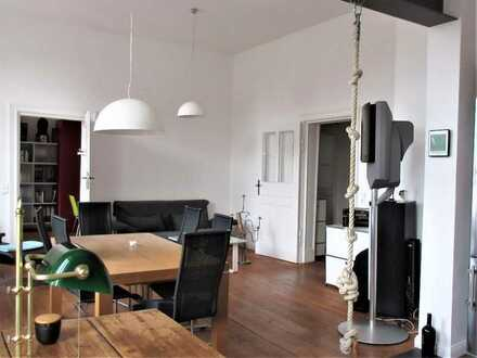Großartige, traumhaft eingerichtete Vier- Zimmer- Wohnung in Potsdam am Brandenburger Tor