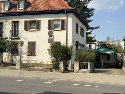 -PROVISIONSFREI -alteingesessene, traditionelle Kneipe inkl. Wohnung (DHH)im Wormser Westend