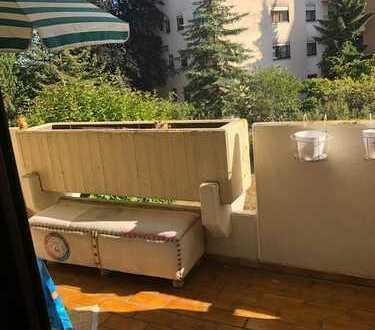 Stilvolle, gepflegte 2-Zimmer-Wohnung mit Balkon und EBK in Neureut Karlsruhe