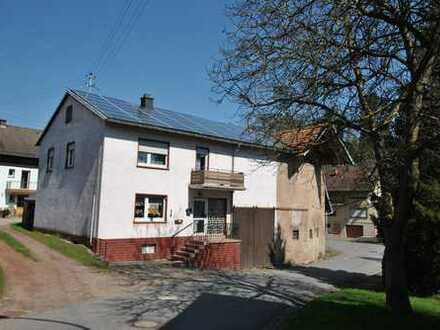 Einfamilienhaus / Bauernhaus / angebautes landwirtschaftliches Gebäude